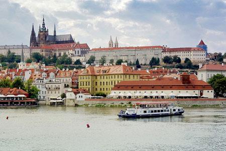 Práce, zaměstnání, brigády Praha